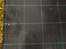 MALLA ANTIHIERBAS-100gr. ROLLO 5,25 X 100 METROS